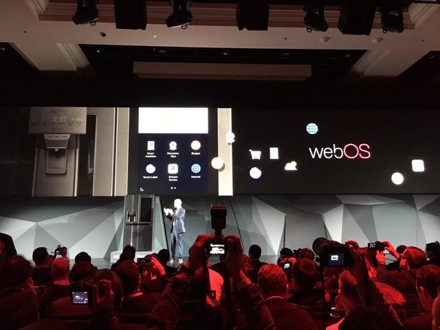 LG se expande con inteligencia artificial y sus productos robóticos en el CES 2017