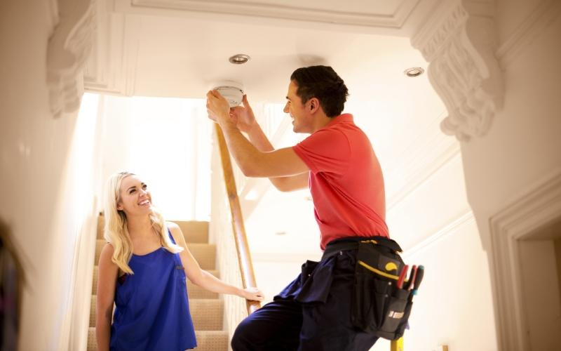 Confíe en expertos certificados para la instalación eléctrica de su hogar