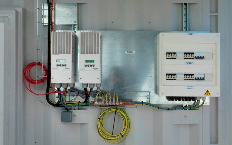 Schneider Electric presenta Villaya Emergency para facilitar el acceso a la energía en situaciones de emergencia