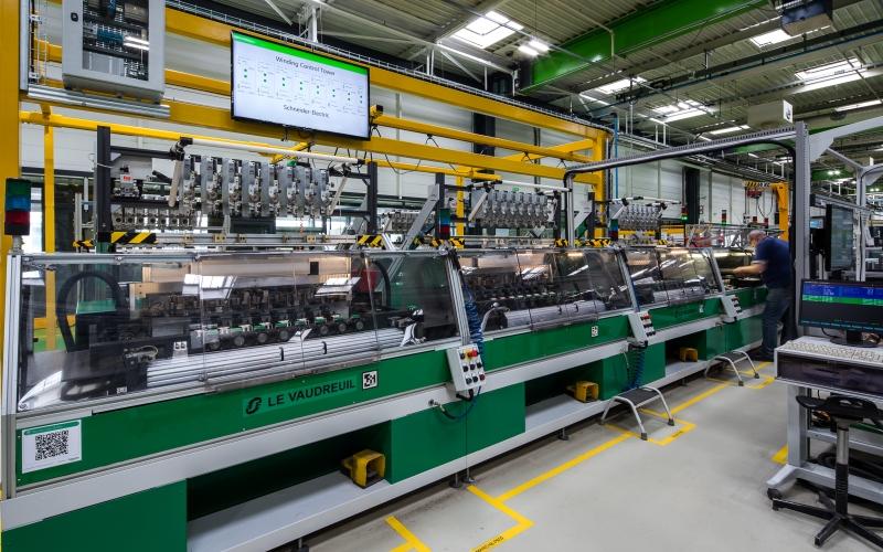 Dos fábricas inteligentes de Schneider Electric, reconocidas por el Foro Económico Mundial como referentes de la cuarta revolución industrial