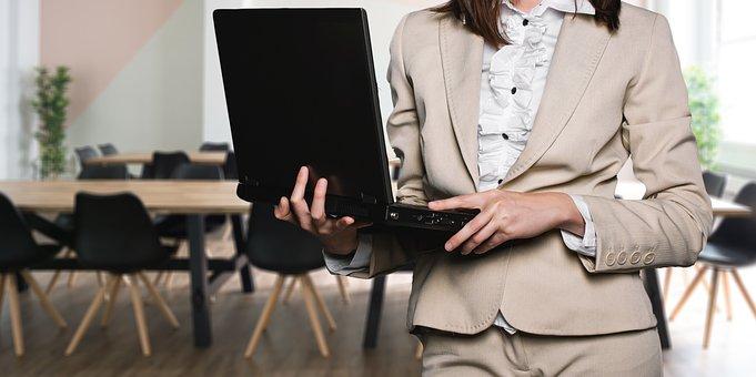 Minoristas utilizan la tecnología para enriquecer las experiencias de clientes