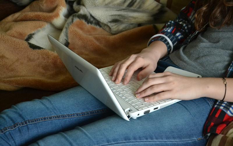 El 50% de los usuarios descarga música y películas de sitios no oficiales