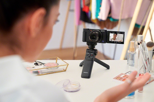 Sony presenta cámara para vloggers ZV-1, diseñada para creadores de contenido en video