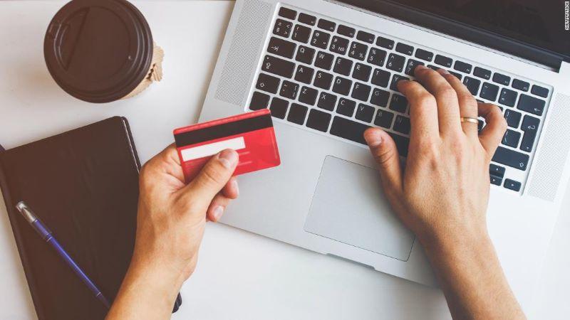 Nuevo engañomediante anuncios de Facebook busca robar datos de tarjetas de crédito